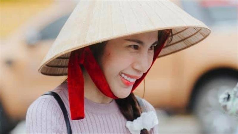 Vừa về Sài Gòn, Thủy Tiên đã tiết lộ cụ thể chuyến cứu trợ miền Trung lần 3