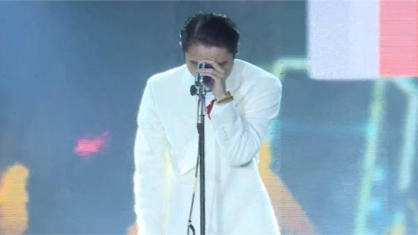 Sơn Tùng M-TP nói 'Thương em' khi hát 'Chúng ta của hiện tại'