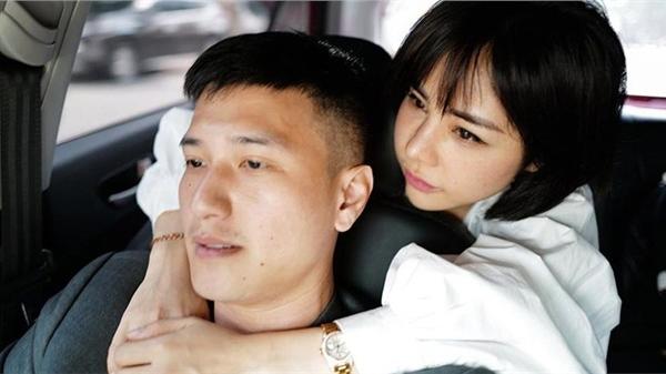 Mới công khai chưa lâu, Huỳnh Anh và bạn gái single mom đã tràn ngập ảnh tình bể tình bên nhau