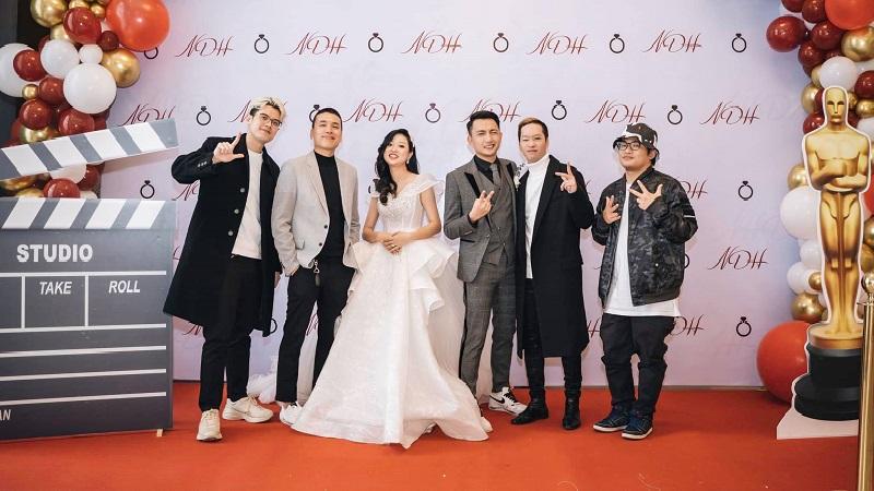 Bắt gặp Da LAB và Trung Quân Idol 'quẩy' cực sung trên sân khấu hôn lễ bí mật của V-pop