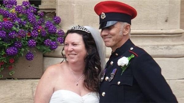 Bén duyên từ thuở 13, cặp đôi bị gia đình ngăn cản, cựu binh chờ đợi hơn 30 năm để cưới được người thương
