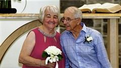 Tình đầu cũng là tình cuối, đám cưới của cặp đôi ngoài 80 khiến nhiều người rơi nước mắt