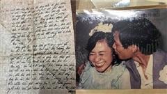 Tình thư lính chiến 42 năm trước bố gửi cho mẹ giữ trọn nghĩa tình: 'Để thời gian nói thay chúng ta em nhé!'