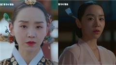 'Mr. Queen' tập 15: Shin Hye Sun hóa 'kẻ điên' thời Joseon, mê mẩn body Hoàng Thượng Kim Jung Hyun sau đêm 'nồng cháy'?