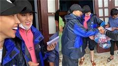 Minh Triệu - Kỳ Duyên gặp sự cố khi cứu trợ miền Trung: 1500 suất hàng bị hỏng vì nước ngập