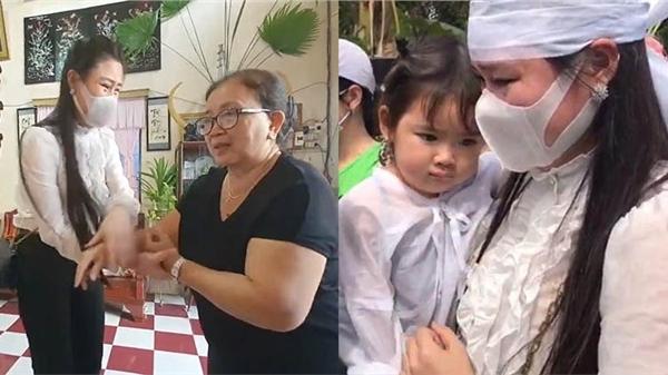 Linh Lan liên tục bật khóc níu tay xin lỗi, mẹ Vân Quang Long phản ứng bất ngờ