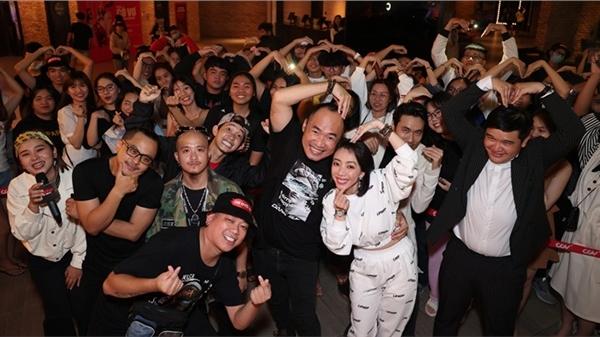 'Chị Mười Ba 2' bán hơn 1 triệu vé, Thu Trang - Tiến Luật có động thái khiến fan phát cuồng