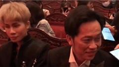 Ra hiệu cho fan giữ im lặng để Hoài Linh trả lời phỏng vấn, Jack ghi điểm vì sự tinh tế