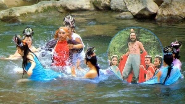 Thực hư cảnh nóng ở 'Tây Du Ký': Nhện tinh tắm suối cùng Trư Bát Giới đều là… đàn ông