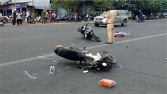 Nỗi lòng vợ nạn nhân chết thảm dưới bánh xe khách vì sự vô cảm của người đi đường