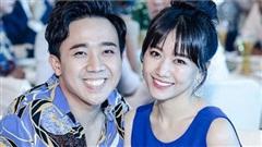 Trấn Thành - Hari Won tình tứ đi dự TikTok Awards