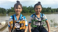Sáng chế áo phao cứu sinh của 3 học sinh lớp 5 Cần Giờ hot lại mùa mưa lũ