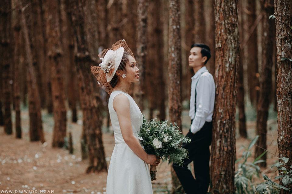 Tháng 12 âm lịch nàycả hai chính thức tổ chức hôn lễ sau hơn 3 năm bên nhau. Và bộ ảnh cưới ở Đà Lạt mộng mơ chính là kỷniệm tuyệt đẹp đánh dấu cộtmốc đặc biệt đó của cả hai.