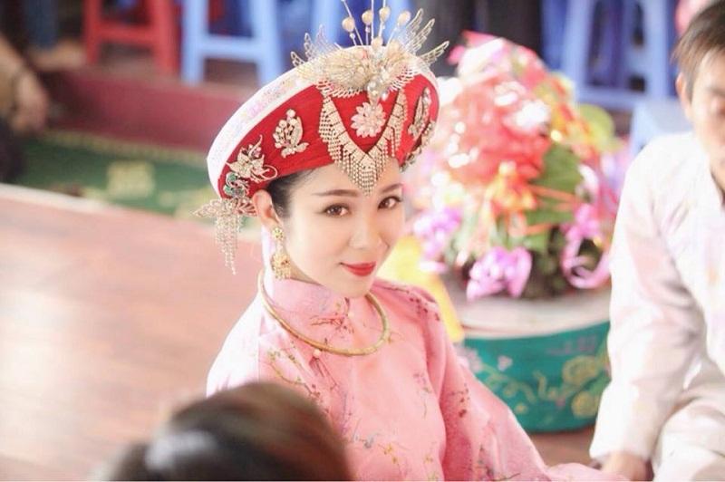 Cô đồng Hồng Hạnh được xem là 'ngôi sao sáng' trong giới hầu đồng.