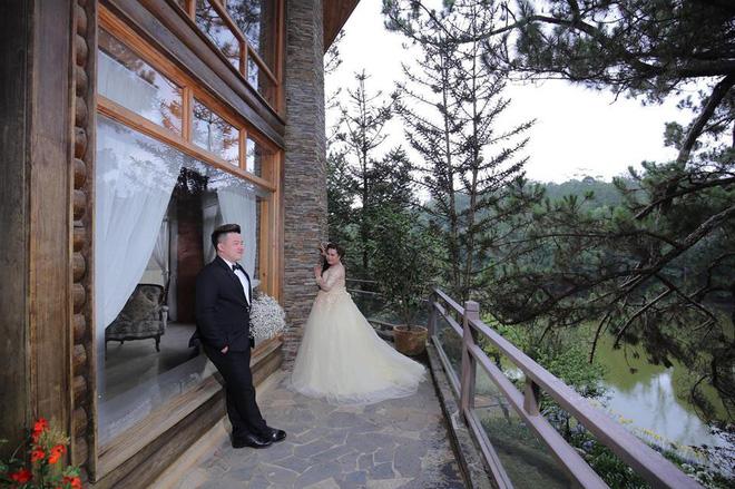 Cô dâu 9X tố bỏ 30 triệu để chụp ảnh cưới nhưng nhận về album 'già như bà thím', ê-kíp chụp ảnh tiết lộ điều bất ngờ