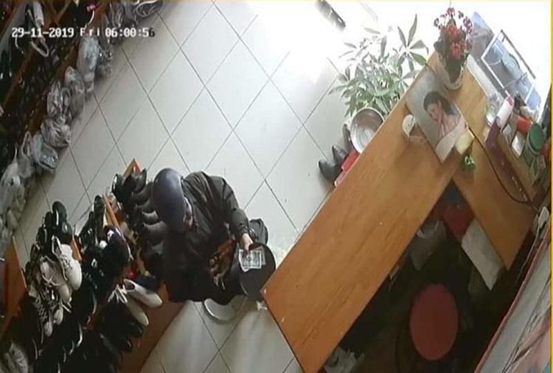 Hình ảnh trích xuất từ camera tại cửa hàng của chị V.A