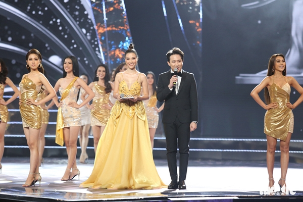 Trấn Thành và Hoàng Oanh là 2 MC củaChung kết Hoa hậu hoàn vũ Việt Nam 2019