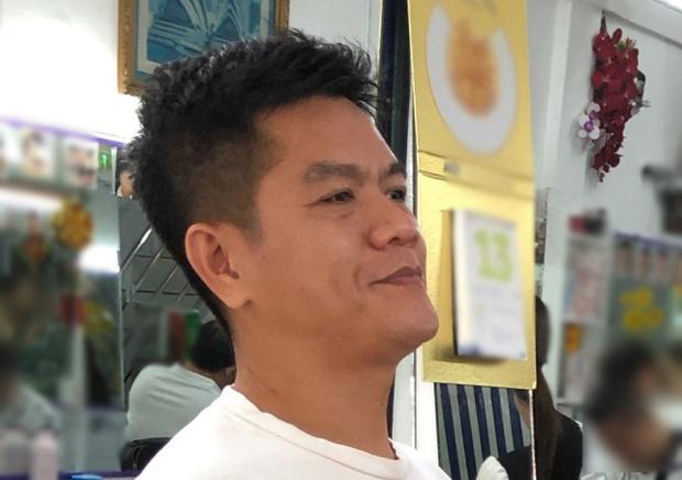 Blogger người Nhật đến phố Bùi Viện hỏi: 'Cắt cho tôi kiểu tóc phổ biến nhất Việt Nam' và cái kết khiến anh cười phớ lớ