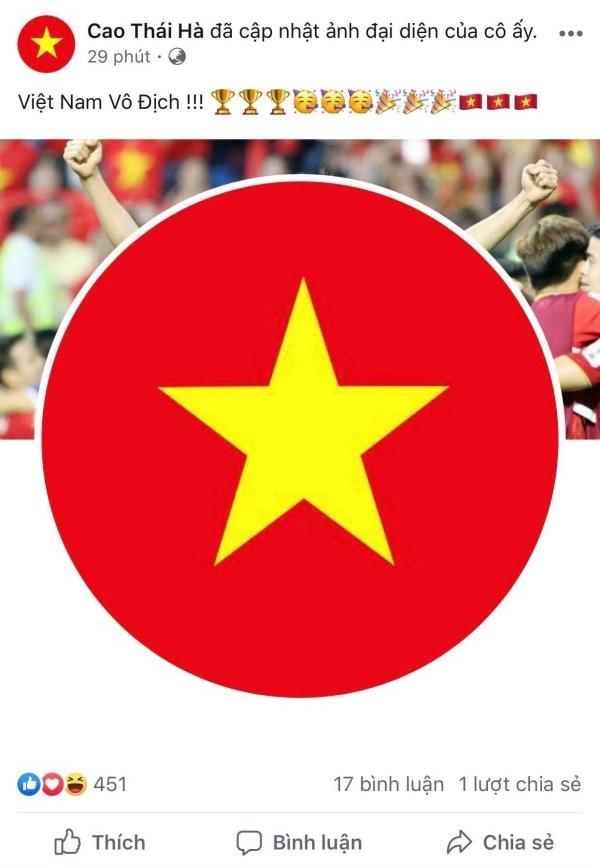 Cao Thái Hà thay đổi ảnh đại diện trang cá nhânsang cờ đỏ sao vàng mừng Việt Nam vô địch.