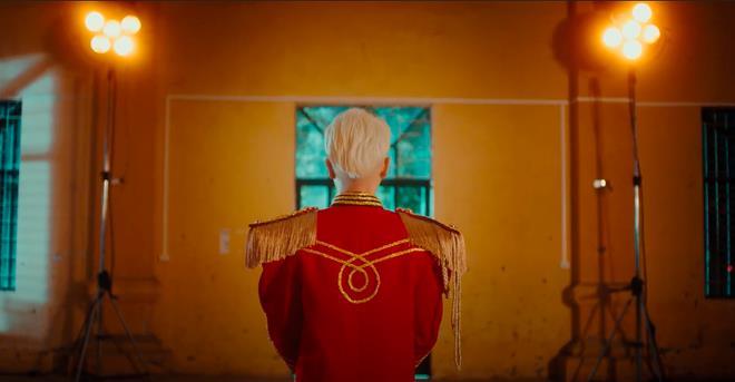 Hình ảnh đầu tiên của Đức Phúc trong teaser MV