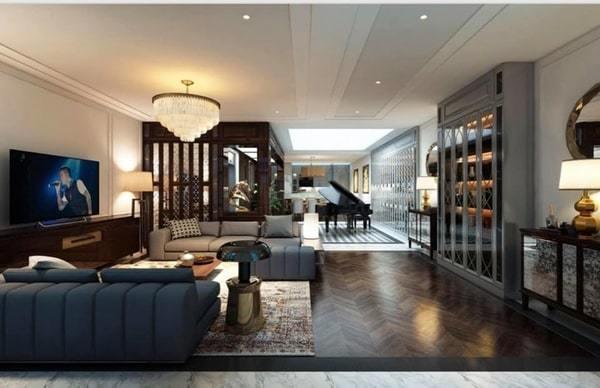 Phòng khách của biệt thự mới khiến người ta choáng ngợp. Các nội thất mang phong cách vừa cổ điển nhưng rất hiện đại mang phong cách châu Âu.