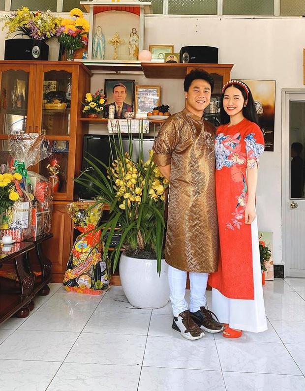 Hòa Minzy và bạn trai.