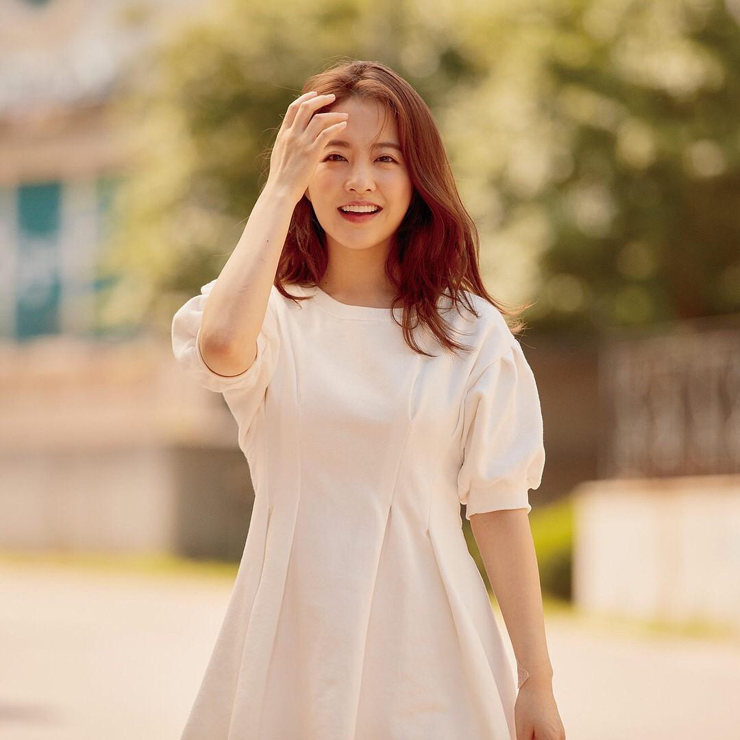 Sao nữ hack tuổi nhất nhì showbiz Hàn - Park Bo Young