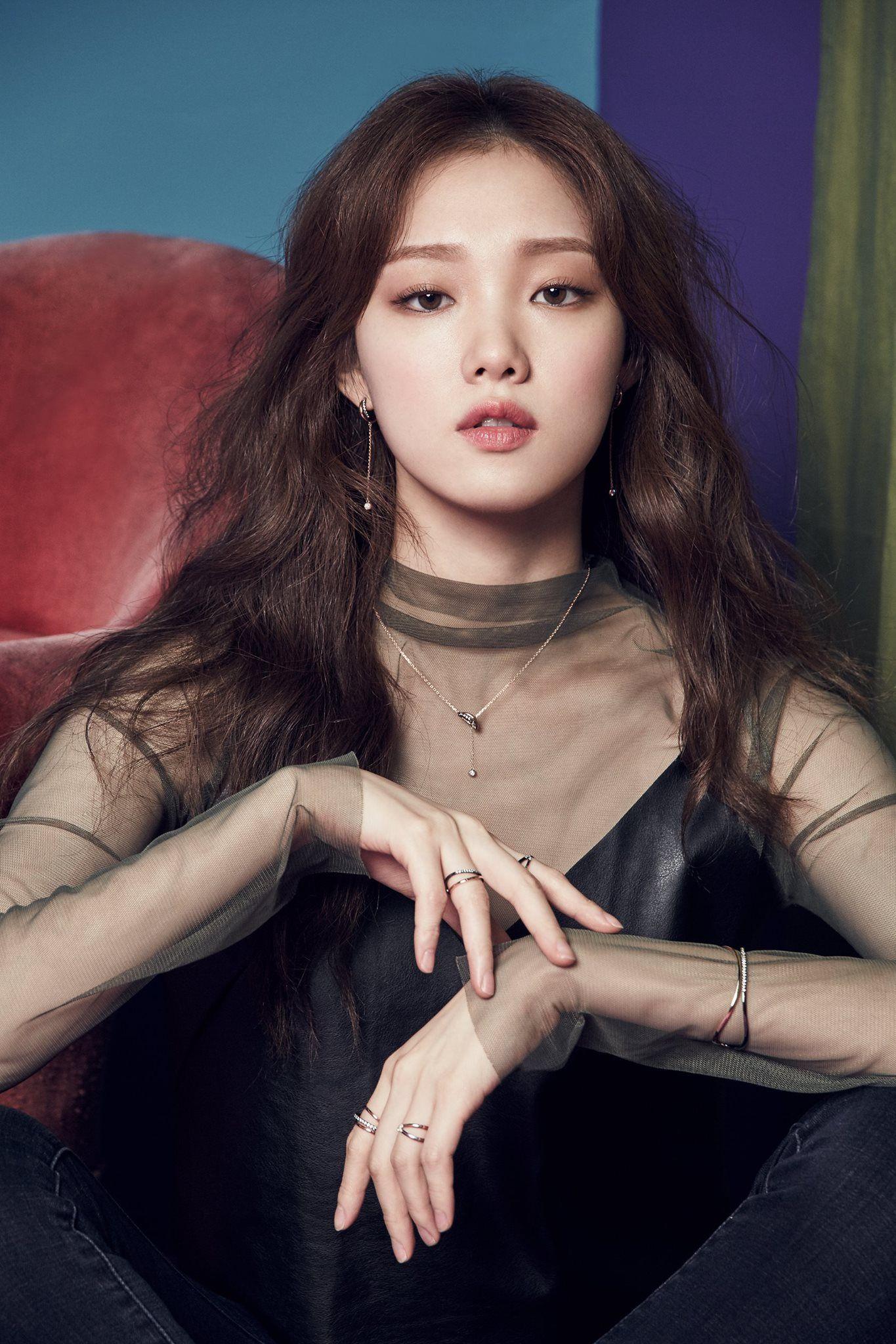 Người mẫu, diễn viên Lee Sung Kyungxinh đẹp, cá tính bậc nhất showbiz Hàn