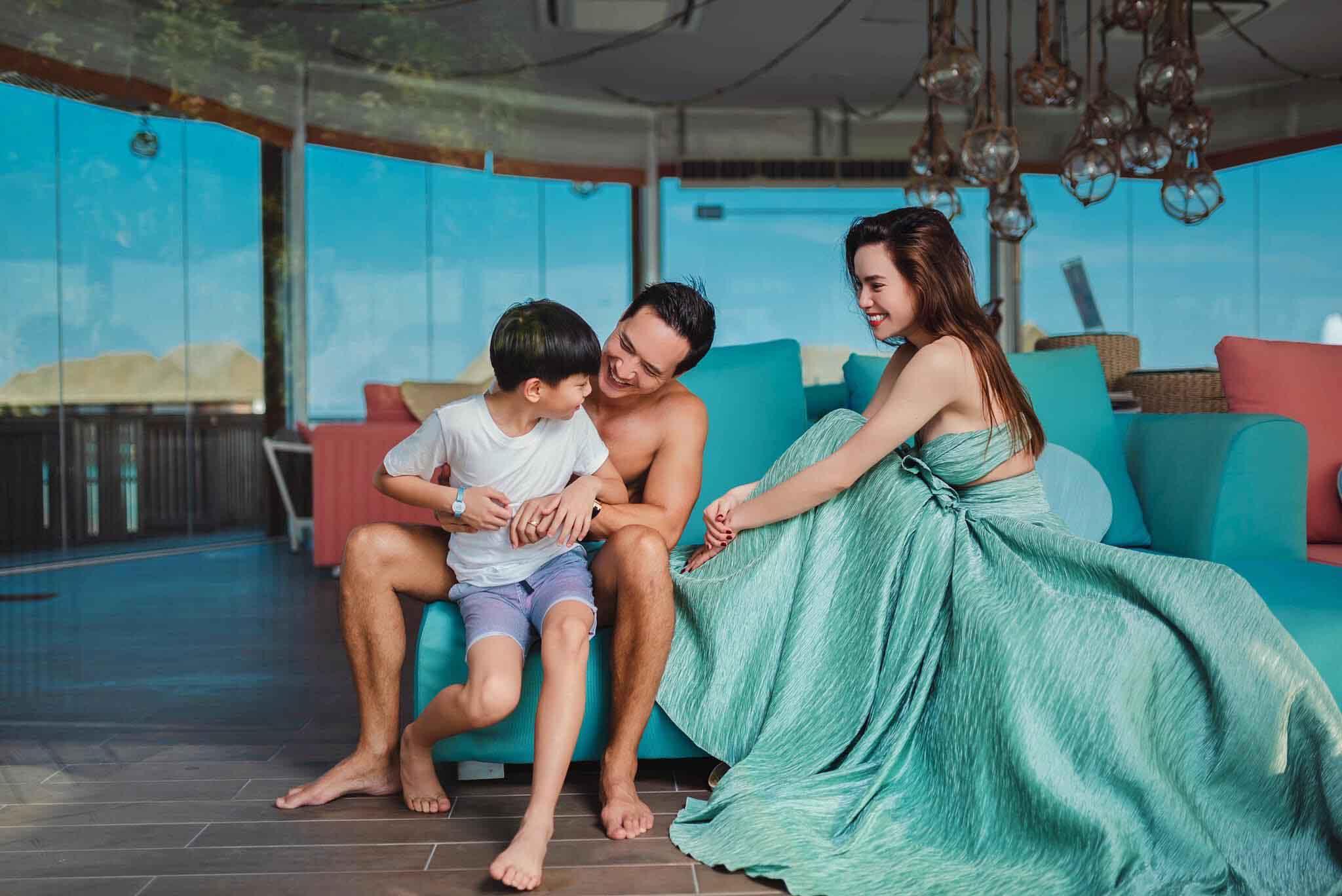 Đi du lịch, Subeo có hành động 'lạ' với Kim Lý 6