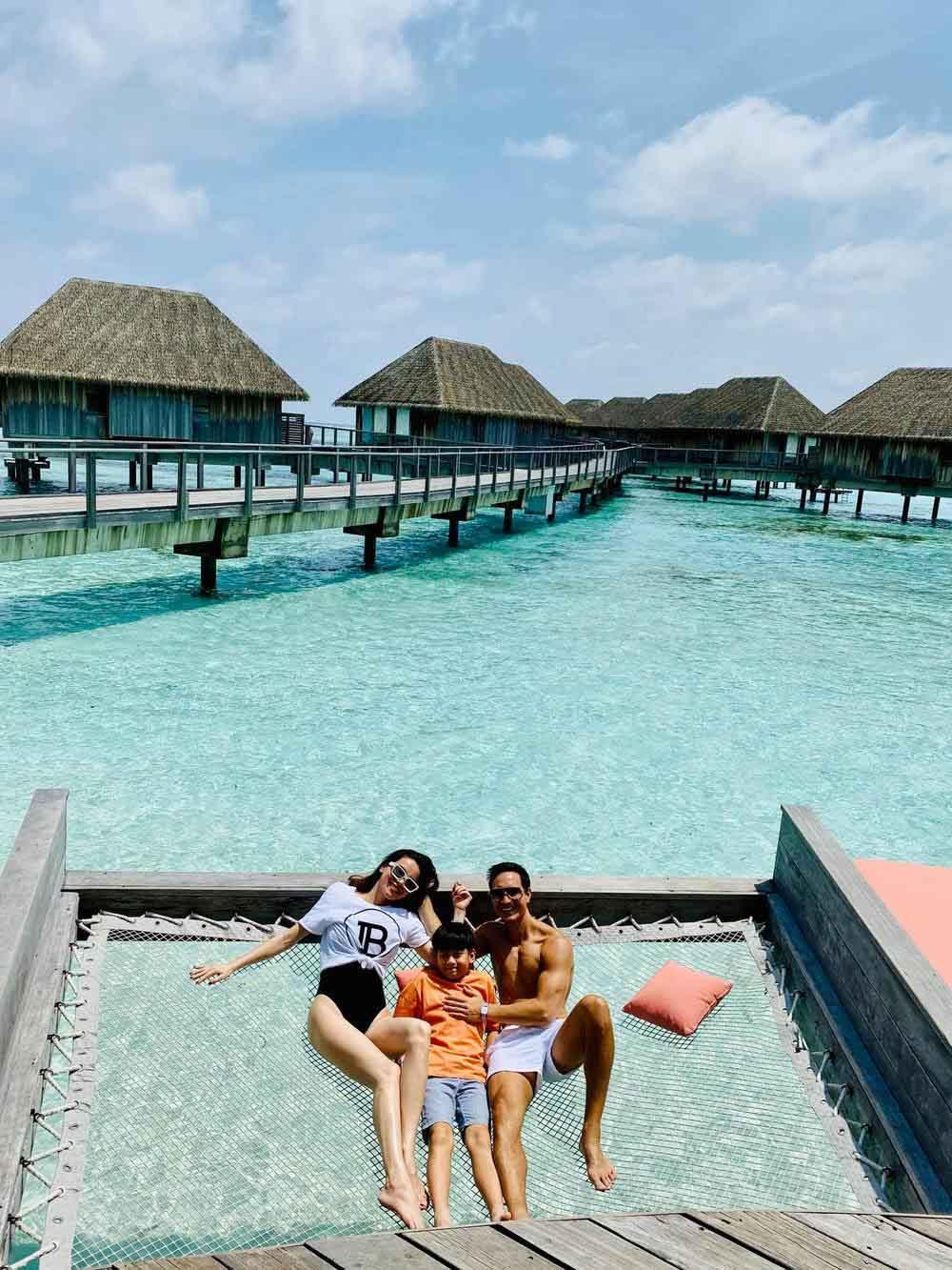 Đi du lịch, Subeo có hành động 'lạ' với Kim Lý 7