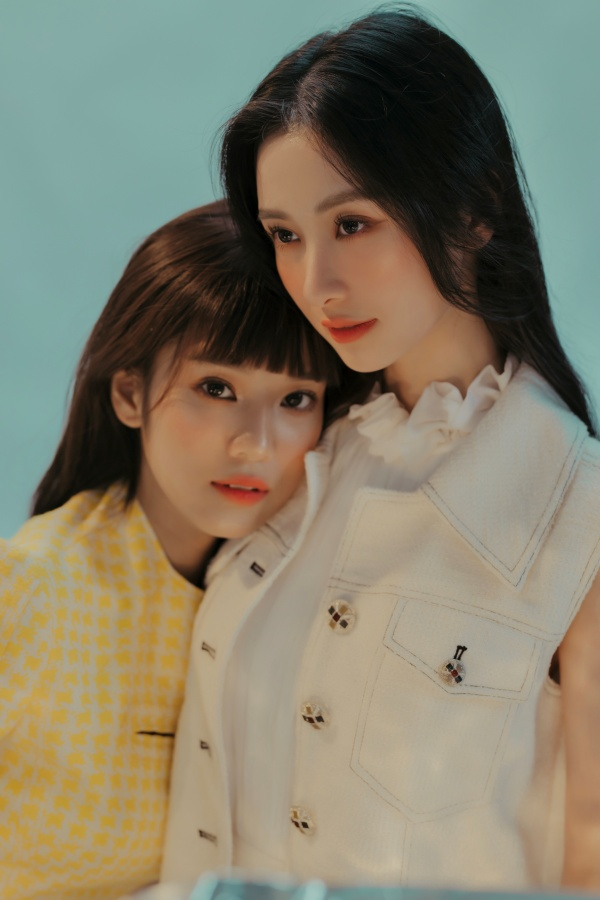 Trao nhau một ánh nhìn, Hoàng Yến Chibi - Jun Vũ đủ khiến fan 'lụi tim' 0