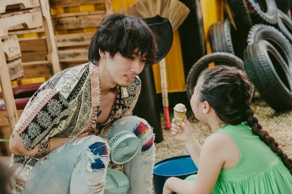 Tuấn Trần và Khánh Vân mất 4 tiếng để quay cảnh hôn trong phim mới 2