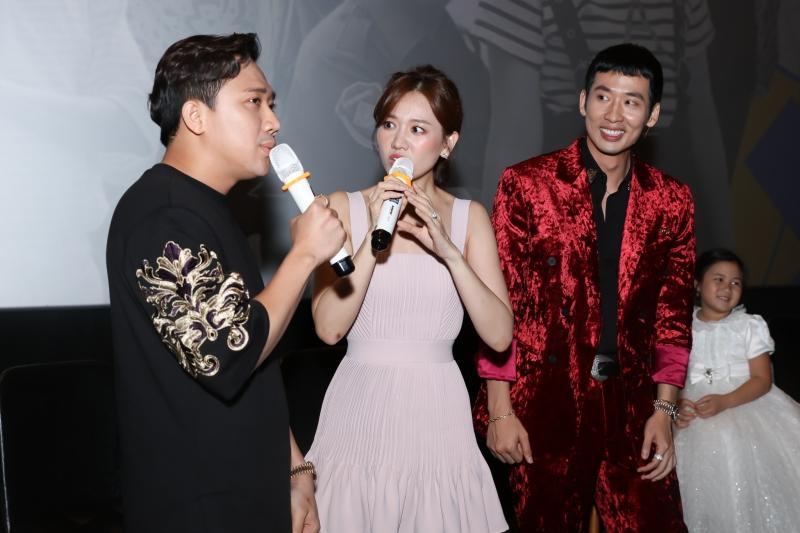 Tuấn Trần và Khánh Vân mất 4 tiếng để quay cảnh hôn trong phim mới 8