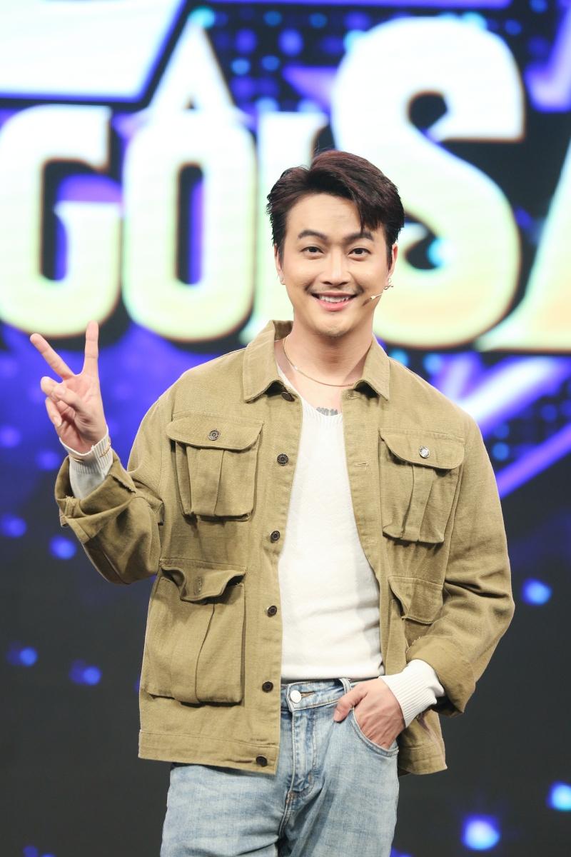 Mở màn là sự xuất hiện của chàng ca sĩ TiTi - cựu thành viên nhóm nhạc HKT đình đám một thời. Sau khi vắng bóng khỏi làng giải trí một thời gian, giờ đây ngoại hình và phong cách của anh chàng cũng có nhiều thay đổi khiến khán giả khó nhận ra.