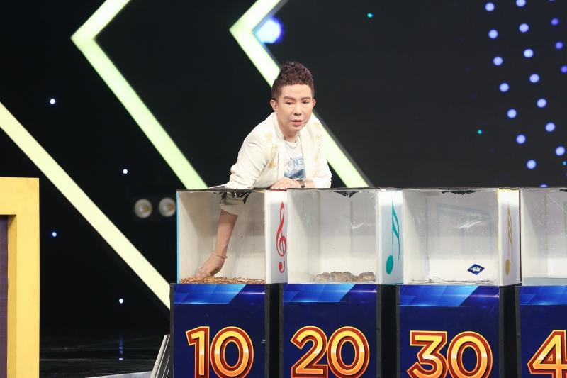 TiTi (HKT) tái xuất, điển trai ngời ngời trên sóng truyền hình 10