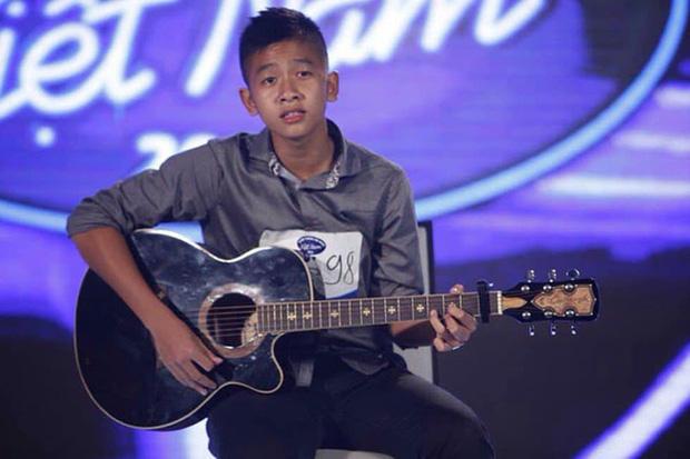 Quang Quíu năm 17 tuổi