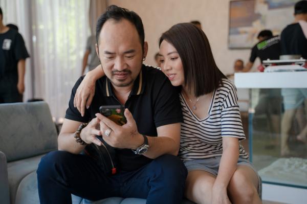 'Bộ tứ oan gia' tung trailer: Võ Cảnh bị lộ ảnh nóng, Thu Trang - Huỳnh Lập làm chị em 0