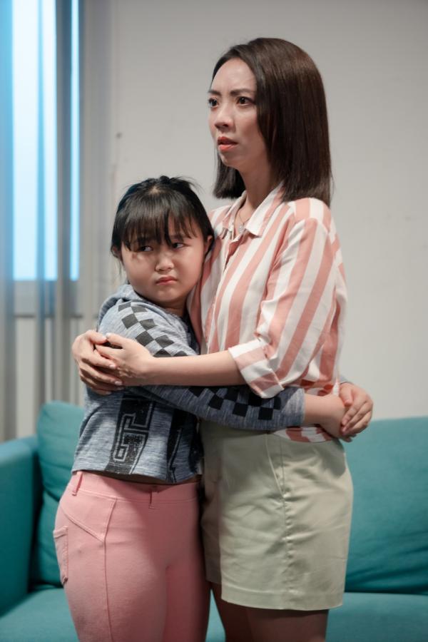 'Bộ tứ oan gia' tung trailer: Võ Cảnh bị lộ ảnh nóng, Thu Trang - Huỳnh Lập làm chị em 1