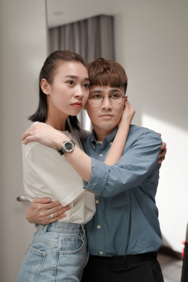 'Bộ tứ oan gia' tung trailer: Võ Cảnh bị lộ ảnh nóng, Thu Trang - Huỳnh Lập làm chị em 3