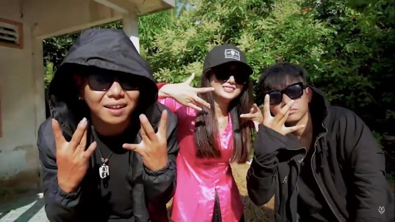 Anh là thành viên của nhóm rap OTĐ, từng nổi tiếng trong làng rap Việt với ca khúc 'Lý cây bông'.