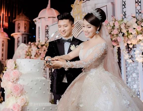 Đám cưới cổ tích của giảng viên Âu Hà My và chồng Trọng Hưng cách đây 11 tháng.