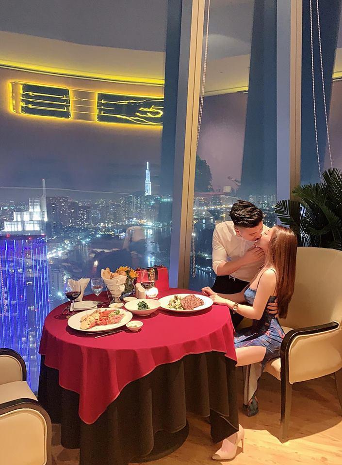 Nguyễn Trọng Hưng và Âu Hà My thường ăn tối tại những nhà hàng sang chảnh