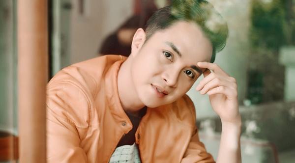Hiện tại, Nhật Tinh Anh vẫn còn hoạt động nghệ thuật nhưng anh thường nhận 'show' nước ngoài và thỉnh thoảng tham gia nhiều sự kiện tại Việt Nam.