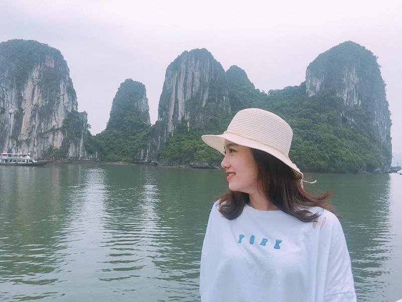 Cô nàng cũng có sở thích đi du lịch, khám phá danh lam thắng cảnh của Việt Nam