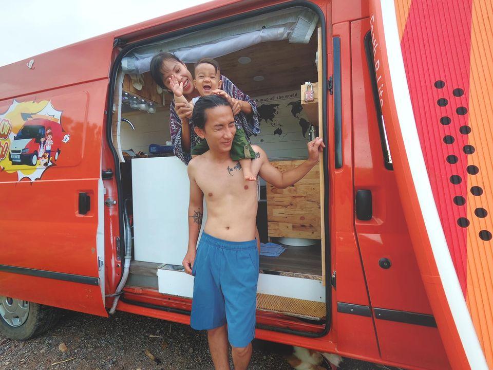 Cặp vợ chồng chi 220 triệu 'cải tạo' xe cũ thành nhà di động, cùng đưa con trai 9 tháng tuổi du lịch khắp Việt Nam 7