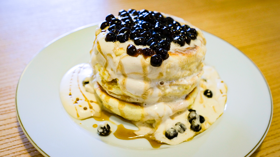 Pancake trân châu. Ảnh: FrolicHawaii