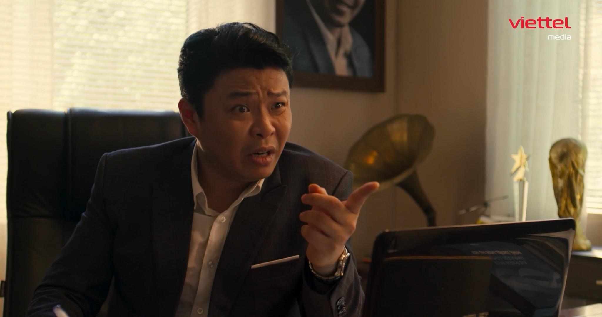 Biểu cảm gây cười của Việt Johan trong vai giám đốc sản xuất