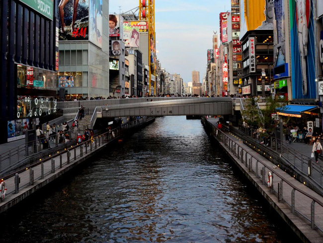 Toàn cảnh khu Namba Osaka sầm uất bậc nhất Nhật Bản: Nơi nam thanh niên bị xô ngã xuống sông tử vong 1