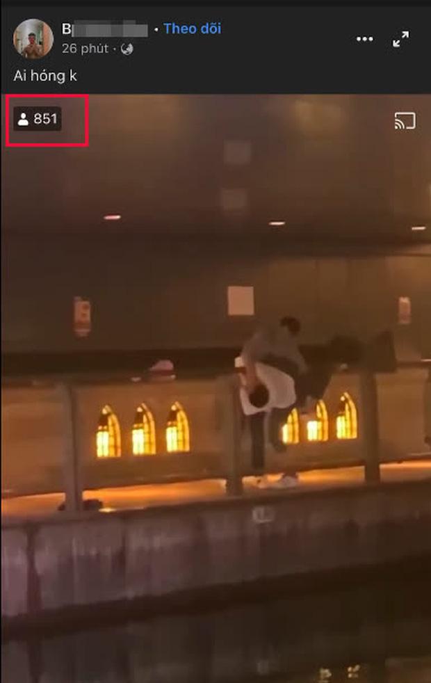 Nam thanh niên thản nhiên livestream vụ việc gây phẫn nộ.