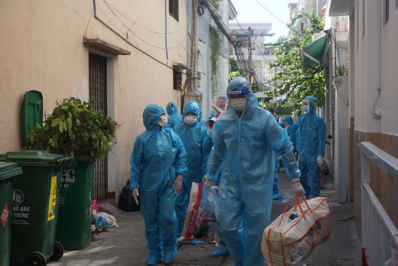 Di dời khẩn cấp 17 hộ dân ở khu vực 5 ca dương tính Sars-CoV-2 sinh sống 0